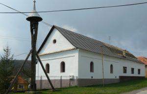 zvonica a kostol
